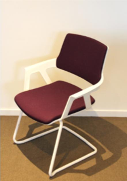 Image de 2ème chance - chaise de réunion violette